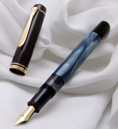 PELIKAN M200 BLUE MARBLED FOUNTAIN PEN !