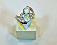 Sterling silver ring with blue moonstone by stoneandsilverfr