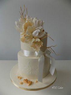 Wedding cake with tulips - Cake by MOLI Cakes