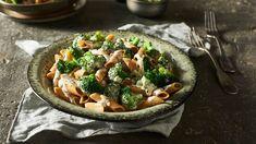 DG zna mnóstwo przepisów na szybki obiad! Zajrzyj do Kuchni Lidla po przepis na makaron razowy z sosem serowym i brokułami!