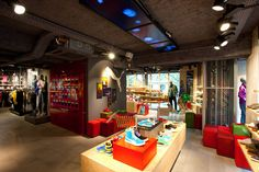 Puma Store by Plajer & Franz Studio, Paris » Retail Design Blog