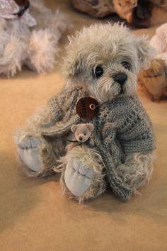 This looks an awful lot like my dog. She is really cute and so is this bear but still looks like my dog. Psst my dog is a teddy bear. Vintage Teddy Bears, My Teddy Bear, Cute Teddy Bears, Stuffed Animals, Boyds Bears, Love Bear, Tatty Teddy, Bear Doll, Felt Animals