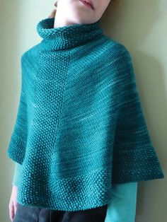 Pretty http://www.ravelry.com/patterns/library/rosas-caponcho