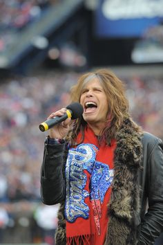 LOVE Steven Tyler!  Remember when he sang the national anthem for the Patriots game!!!!