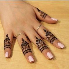 unique finger Mehndi designs that you will absolutely love - Braut Henna - Henna Designs Hand Finger Mehendi Designs, Henna Tattoo Designs Simple, Mehndi Designs For Beginners, Mehndi Designs For Girls, Unique Mehndi Designs, Mehndi Design Images, Mehndi Designs For Fingers, Henna Designs Easy, Beautiful Henna Designs