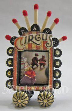 A tiny circus