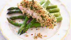 Rapeakuorista kalaa ja vihreää parsaa