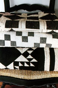 I want some black and white quilts.