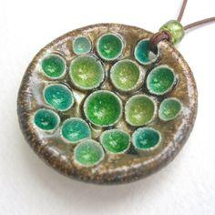 Сегодня я покажу керамические работы одной мастерицы, хотя Lisa Stevens делает и изделия из полимерной глины. Но керамика мне очень нравится и я люблю смотреть такие…