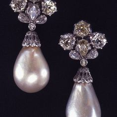 The Mancini Pearls. Sold at Christie's Geneva on 2 October 1969 @christiesjewels . • • • #diamond#الماس#elmas#jewelry#fashion#love#beautiful#style#diamonds#highjewelry#finejewelry#luxury#instamood#instacool#instagram#beautiful#art#instalove#special#detail#amazing#fabulous#shiny#highfashion#love#model#artist#photo#sold#vintage#earring#pearl