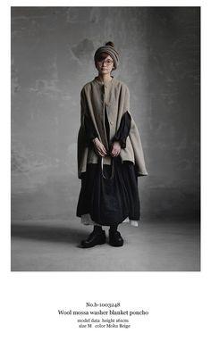 【送料無料】Joie de Vivreウールモッサワッシャーブランケットポンチョ Fashion Images, Fashion Models, Fashion Outfits, Womens Fashion, Manish Fashion, Moda Natural, Mori Girl Fashion, Japanese Streetwear, Natural Clothing