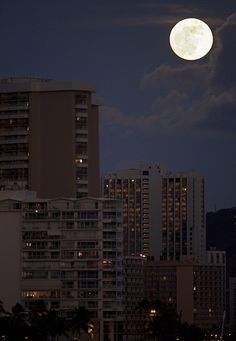 Moon Over Waikiki - Honolulu, Hawaii