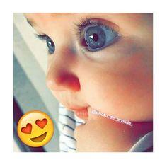 Kurban😍👀 uff her eyess. Cute Little Baby, Cute Baby Girl, Little Babies, Baby Love, Cute Baby Videos, Cute Baby Pictures, Cute Babies Photography, Newborn Photography, Smiley Happy