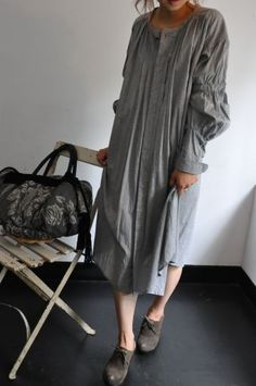 GASA dress 2011-2012 fall and winter. On Japanese blog, acoustics1.exblog.jp  I particularly love the sleeve and the fabric.