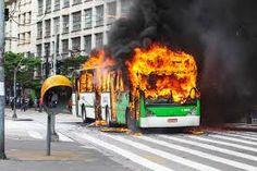 Vândalo, cruel, mercenário e corrupto é o governo do estado de são paulo.    Contra movimentos sociais, ontem nas ruas , em S.Paulo.   Movimento Tarifa Zero.