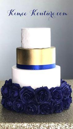 new ideas wedding cakes blue royals Wedding Cake Roses, Wedding Cake Stands, White Wedding Cakes, Elegant Wedding Cakes, Cool Wedding Cakes, Trendy Wedding, Wedding Blue, Wedding Ideas, Diy Wedding