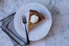 A super easy custard pie, perfect for winter. Serve it with a dollop of sweetened mascarpone and a drizzle of good maple syrup and you'll be oh-so-happy.