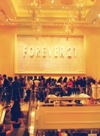Sometimes Forever 21 can feel more like a lawless jungle than a discount fashion store. Take a deep breath and follow these tips for how to shop Forever 21 like a professional stylist