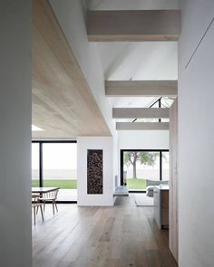 Timber Ceiling, Timber Flooring, Ceiling Beams, Monochrome Interior, Modern Interior, Global Home, Minimal Home, Minimal House Design, Ideas Geniales