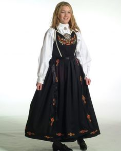 Bilderesultat for smekkebunad vest telemark Victorian, Norway, Dresses, Fashion, Hipster Stuff, Vestidos, Moda, La Mode, Fasion
