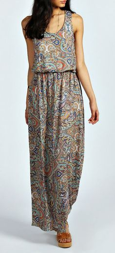 Penny Paisley Bagged Over Maxi Dress........I want this dress!