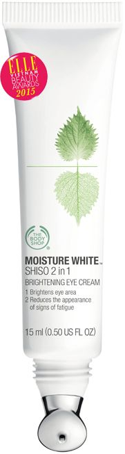 <strong>7. THE BODY SHOP MOISTURE WHITE™ SHISO 2 IN 1 BRIGHTENING EYE CREAM</strong><br> Kem mắt Moisture White™ Shiso 2 in 1 Brightening Eye Cream 2 tác động làm sáng vùng da mắt với sức mạnh từ phức hợp lá tía tô thiên nhiên, thích hợp với những ai muốn giảm thiểu sự xuất hiện của quầng thâm dưới mắt. Phù hợp với mọi loại da và người đeo kính áp tròng. <br><em>Giá: 739.000 VNĐ</em> Beauty Awards, The Body Shop, Eye Cream, Moisturizer, Eyes, Shopping, Pictures, Moisturiser, Photos