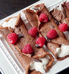 Healthy Chocolate Crepes | Make Your Mornings Extra Special With These 12 Delicious and Healthy Breakfast Recipes You Simply Can't Resist | http://homemaderecipes.com/healthy-breakfast-recipes/