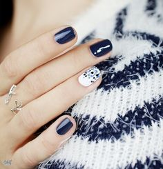 45 Elegant Fall Nail Art Designs 2016 Source by White Nail Art, White Nails, Fancy Nails, Trendy Nails, Nail Art Blanc, Hair And Nails, My Nails, Nail Art Designs 2016, Super Nails