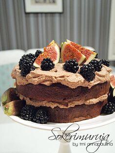 Sokerimuruja : Viikunoiden ja karhunvatukoiden suklaakakku / Chocolate & fig cake <3