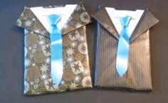 Idea para que en los comercios envuelvan los regalos con forma de camisa y corbata. #creatividad
