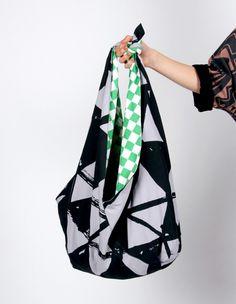 Flint Knot beach Bag