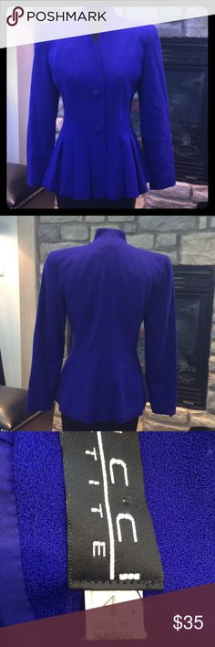BICCI PETITE BLUE COAT 100% WOOL BLUE COAT WITH TWO BUTTONS ON FRONT WITH PLEATS. LINED AND NO COLLAR. GREAT CONDITION AND BEAUTIFUL BLUE. SIZE 4P Bicci Petite Jackets & Coats