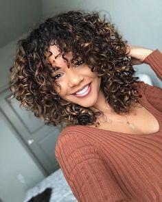 3a Curly Hair, Colored Curly Hair, Curly Hair Styles, Natural Hair Styles, Ombre For Curly Hair, Super Curly Hair, Updo Curly, Messy Hair, Curly Girl