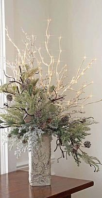 Totally White Vintage Christmas Decoration Ideas – Best Home Decorating Ideas Christmas Flowers, Noel Christmas, Rustic Christmas, Winter Christmas, Vintage Christmas, Christmas Wreaths, Christmas Flower Arrangements, Winter Floral Arrangements, Christmas Wedding