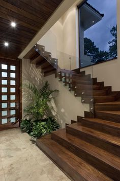 Modern Staircase Design Ideas - Stairs are so common that you don't give them a reservation. Look into best 10 examples of modern staircase that are as sensational as they are . Home Stairs Design, Modern House Design, Stair Design, Staircase Design Modern, House Staircase, Staircase Ideas, Staircase Remodel, Staircases, Escalier Design