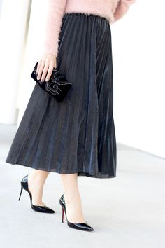 51934d2ffcf0 Blame it on Mei, @blameitonmei, Miami Fashion Blogger, Metallic Pleated  Skirt with