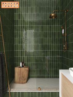 La Riviera Botanical Green x Bathroom Trends, Bathroom Interior, Color Tile, Bathroom Inspiration, Interiores Design, Home Remodeling, Green Bathroom Tiles, Green Tiles, Bathroom Wall Decor