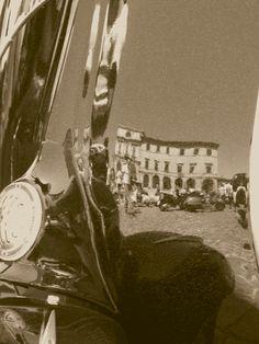 Accademia Georgica riflessa su scudo vespa al raduno del 2010