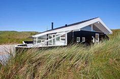 Schönes energi spare Ferienhaus mit einer geschlossenen Terrasse in Tingodden nur 100 m vom Strand und Meer. Mit Sauna und Whirlpool. 2 Hunde erlaubt.