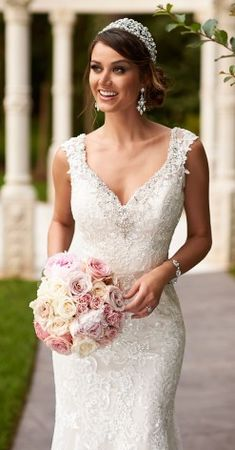 Stella York Fall 2015 Bridal collection – Belle The Magazine - Wedding Dresses Lace Wedding Dress, 2015 Wedding Dresses, Sweetheart Wedding Dress, Gorgeous Wedding Dress, Bridal Dresses, Wedding Gowns, Mermaid Wedding, Column Wedding Dresses, Stephen Yearick Wedding Dresses