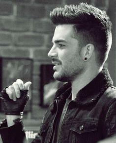 """Adam Lambert on Glee """"New New York"""" - Simply stunning <3"""