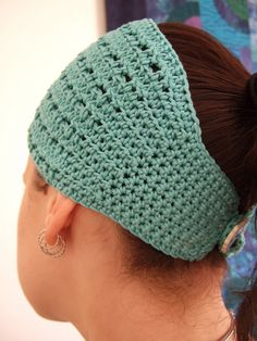 >Sheepie suggested that this be named for my daughter as she wears it so well. Who am I to argue with SA ?So here is the pattern for Nadie, a simple crochet headband of the wider hair-wrap type ...