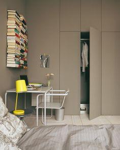 Büro im Schlafzimmer mit Einbauschrank