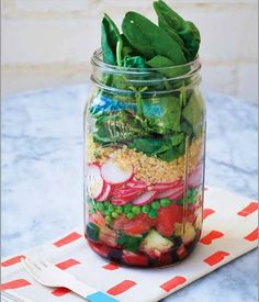 spinach radish quinoa mason jar salad