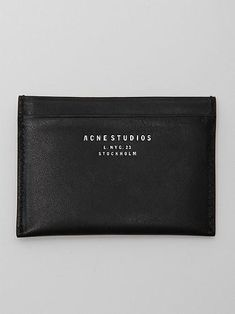 Troubled by Acne? Here's an Acne Diet that Works! Mens Designer Accessories, Bag Accessories, Mens Card Holder, Leather Gifts, Leather Bags, Leather Wallet, Black Leather, Fashion Identity, Fashion Essentials