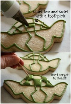 Making Yoda Cookies - Star Wars Bday - Ideas of Star Wars Bday - Making Yoda Cookies Fancy Cookies, Iced Cookies, Cute Cookies, Royal Icing Cookies, Cupcake Cookies, Sugar Cookies, Star Wars Cookies, Star Wars Cake, Bolacha Cookies