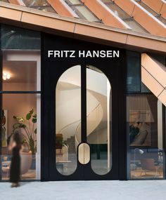 Hotel doors design - Danish Furniture Brand Fritz Hansen Opens Store in China and It is Gorgeous – Hotel doors design Entrance Design, Facade Design, Door Design, Architecture Design, Design Design, Interior Exterior, Exterior Design, Restaurant Door, Architecture Restaurant