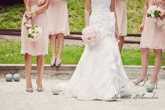 love light pink for bridesmaids!