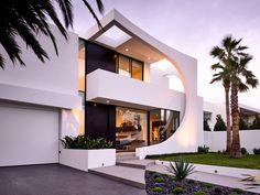Cosham Street House von Martin Friedrich Architekten in Brighton, Australien New Zealand Architecture, Modern Architecture House, Residential Architecture, Architecture Design, Modern Houses, Contemporary Houses, Architects Melbourne, Melbourne Architecture, Modern Villa Design