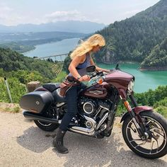 🤘💀 by The moment you realise quite how far down it is! 🙈 was lake Santa Giustina in Italy. Absolutely breathtaking colours with banks lined by vin yards. If only you could enjoy wine on a motorcycle 😝 . Harley Sport, Harley Davidson Sport, Harley Davidson Street Glide, Cafe Racer Girl, Cafe Racer Build, Ride Or Die, Chopper, Old School Motorcycles, Scrambler Motorcycle